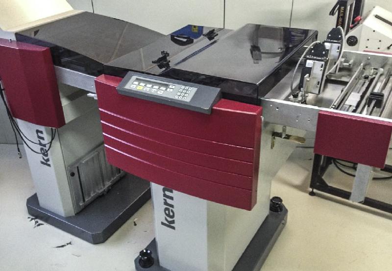 KERN Pinless vágógép